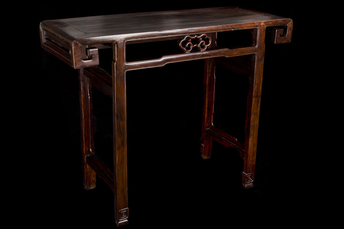 Jiaqing antique Chinese console