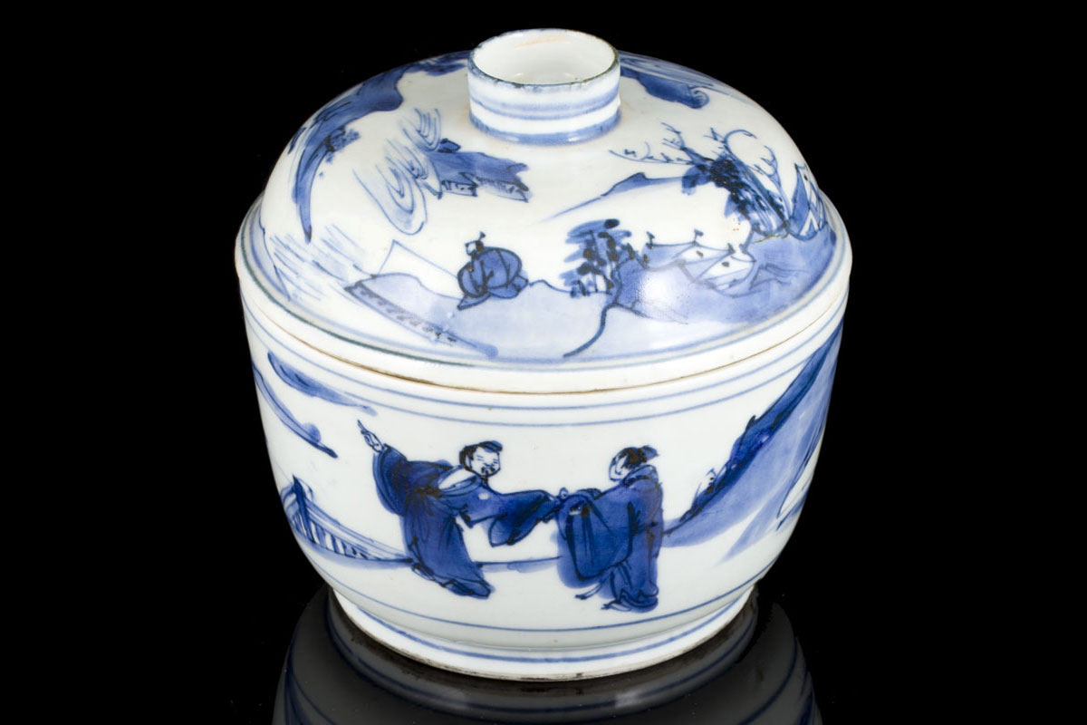 a blue and white chinese export porcelain transitional bowl and